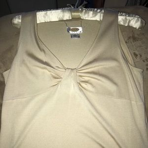 Sleeveless Twist top